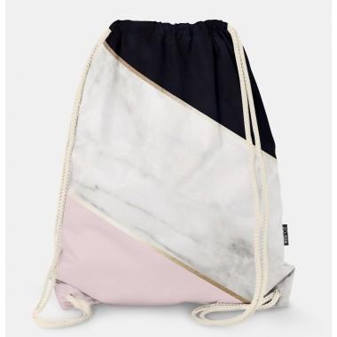 Oryginalny i bardzo praktyczny worek-plecak z modnym printem. Prezent dla nastolatki..Różowy z czarnym i złotym