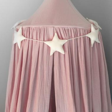 Ekskluzywny baldachim nad łóżeczko, wykonany z eleganckiego, najwyższej jakości muślinu bawełnianego. Różowy