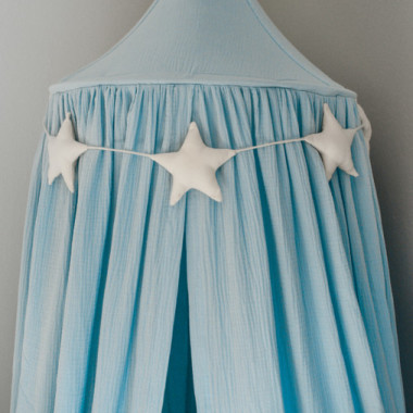 Ekskluzywny baldachim nad łóżeczko, wykonany z eleganckiego, najwyższej jakości muślinu bawełnianego. Niebieski.