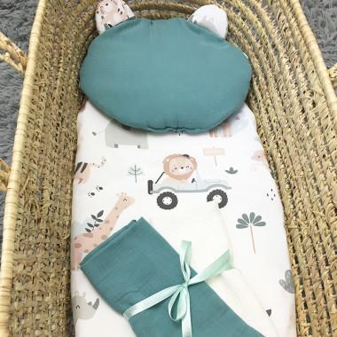 Dwustronna poduszka miś wykonana z wysokogatunkowej bawełny muślinowej z uroczym wzorem Safari.