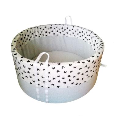 Suchy basen bez piłeczek doskonale sprawdzi się jako kojec dla maluszka. Basen w myszki. Prezent na dzień dziecka.