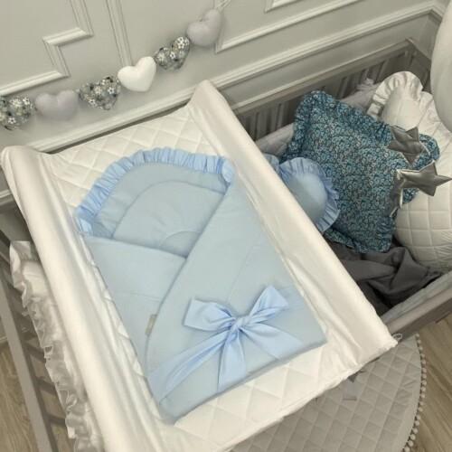 Niebieski rożek dla noworodka/niemowlęcy z falbanką. Wyprawka do szpitala.