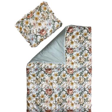 Piękny i elegancki zestaw pościeli z wypełnieniem – kołderka  oraz poduszka z falbanką.