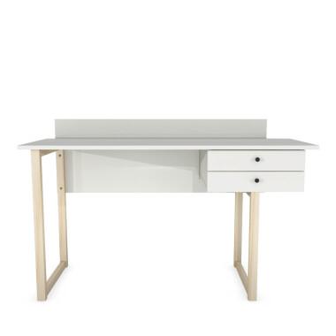 Drewniane biurko z białym blatem i szufladami. Idealne do pokoju dziecięcego lub do  pracy do gabinetu. Styl skandynawski.