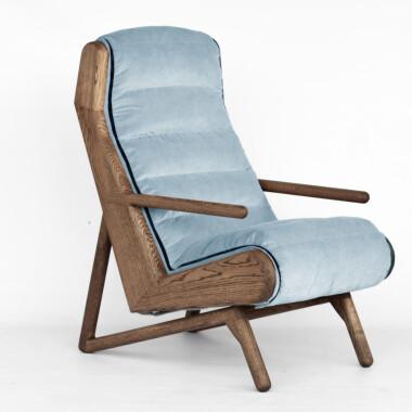 Wygodny, duży niebieski  fotel drewniany na płozach do salonu, sypialni, do karmienia. Melyo
