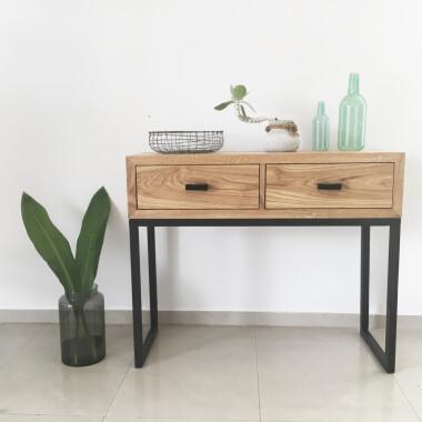 Drewniana konsola, biurko, toaletka z metalowymi nogami.