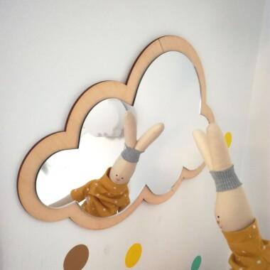 Lustro do pokoju dziecka w kształcie chmurki