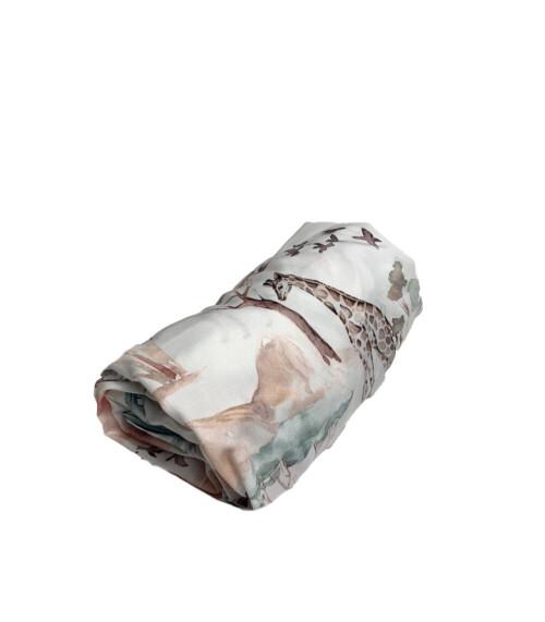 Prześcieradło wykonane z wysokiej jakości tkaniny, zakładane na gumkę- wzór safari
