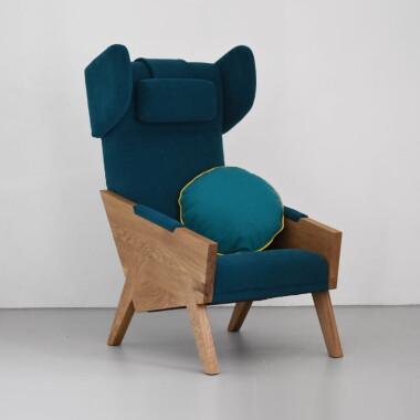 Nowoczesny duży minimalistyczny fotel uszak do salonu, fotel do hotelu, wygodny zielony, pomarańczowy, szary, brązowy.