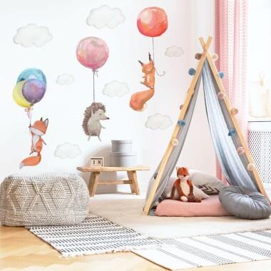 naklejki-na-sciane-dla-dzieci-zwierzatka-z-balonami-lisek-jezyk-wiewiorka